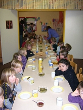 Abendessen©Kindergarten Tausendfüßler