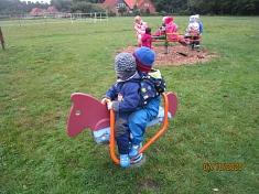 Den Spielplatz entdecken©Kindergarten Tausendfüßler