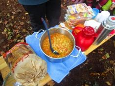 Es gibt leckere Suppe©Kindergarten Tausendfüßler