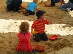 Schatzsuche in der Sandkiste©Kindergarten Tausendfüßler