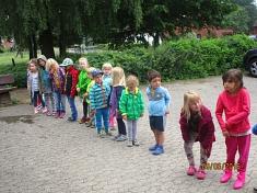 "Wasserkette ""Regenbogengruppe""©Kindergarten Tausendfüßler"